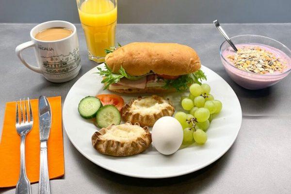 radalla-resort-aamupala-sisältökuva